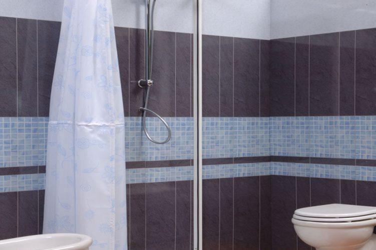 Box doccia o doccia con tenda? Guida alla scelta.