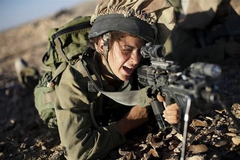 Donne ed esercito