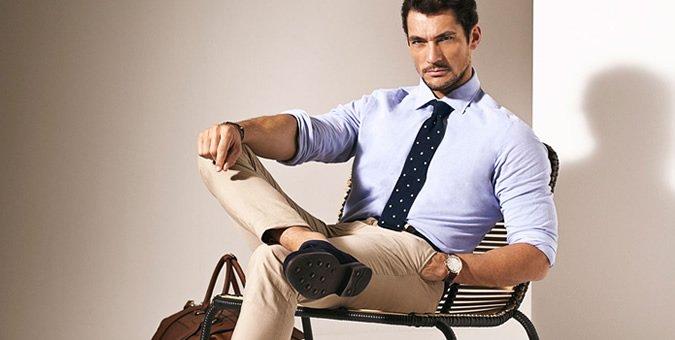 Niente giacca e cravatta, in ufficio l'uomo è casual