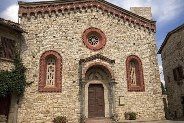 """Il """"borgo murato"""" di Vertine tra le Colline del Chianti"""