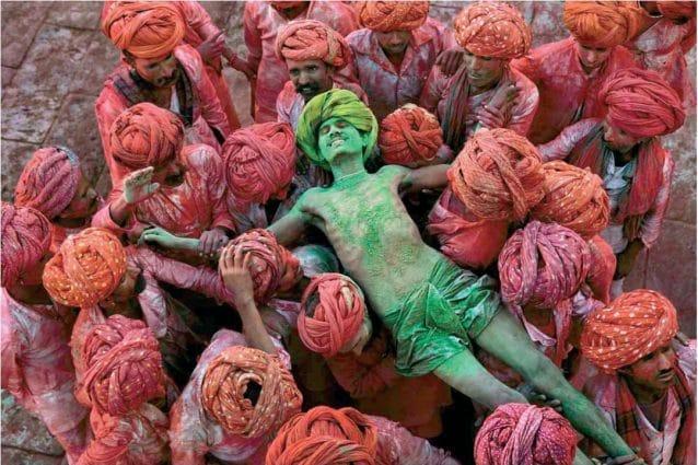 La mostra fotografica 'Icons' di Steve McCurry al palazzo 'Gil' di Campobasso