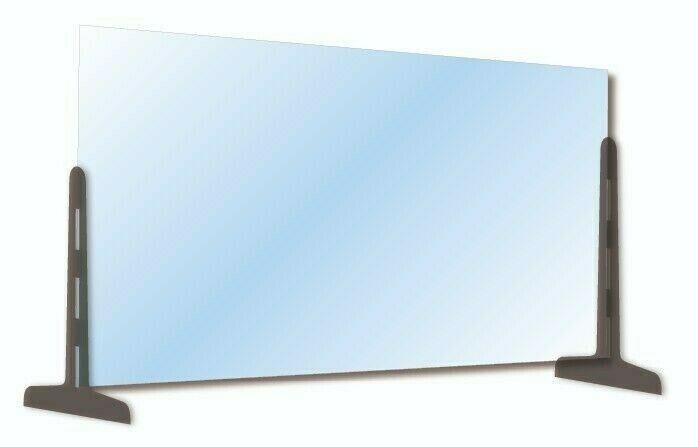 Divisori in plexiglass negli uffici, utilità per la protezione igienico sanitaria